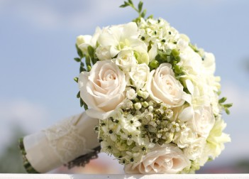 Hand Tied Bridal Bouquets Round bridal bouquet 12360189 s 351x252