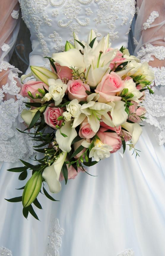 teardrop bridal bouquets flowers by kath